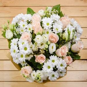 Delicate Love | Buy Flowers in Riyadh Jeddah KSA | Gifts